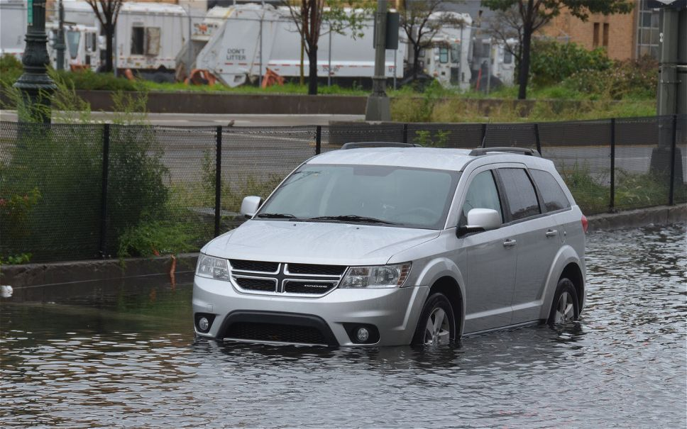 dodge-journey-under-water.jpg.c9baf561a18926b0ebf0abd8298f3167.jpg